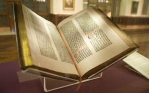 hith-gutenberg_bible_lenox_copy_new_york_public_library_2009-_pic_01